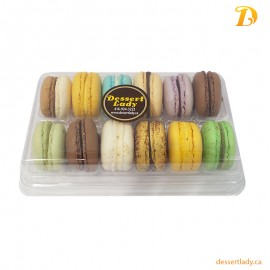 12 French Macarons